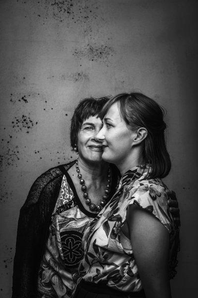 Äitejä ja tyttäriä Memme ja Ella